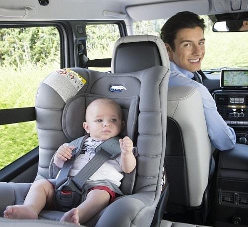 Sai lầm khi sử dụng ghế ngồi ô tô trẻ em