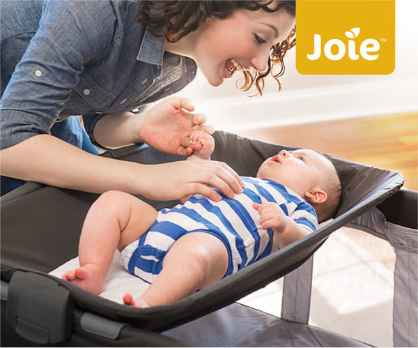 Giường cũi em bé Joie Commuter Change