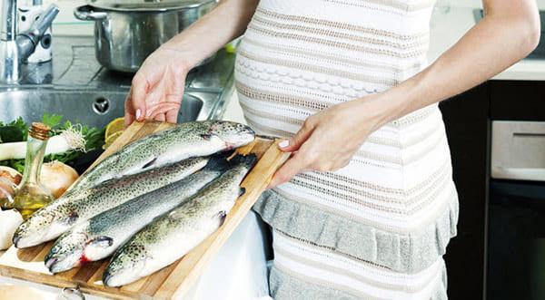 Bầu ăn cá thu có tốt không?